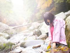 秋の川遊び