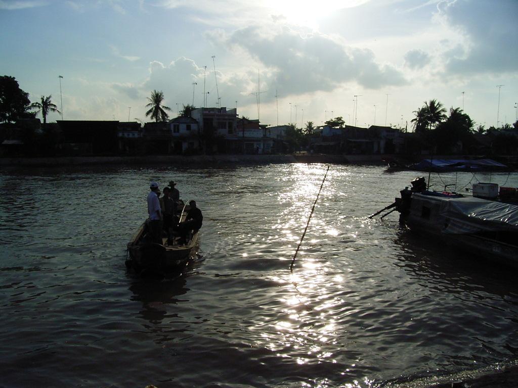ラック町の渡し舟
