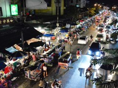 Night of Pracha Songkhro Rd.