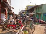 市場の裏道