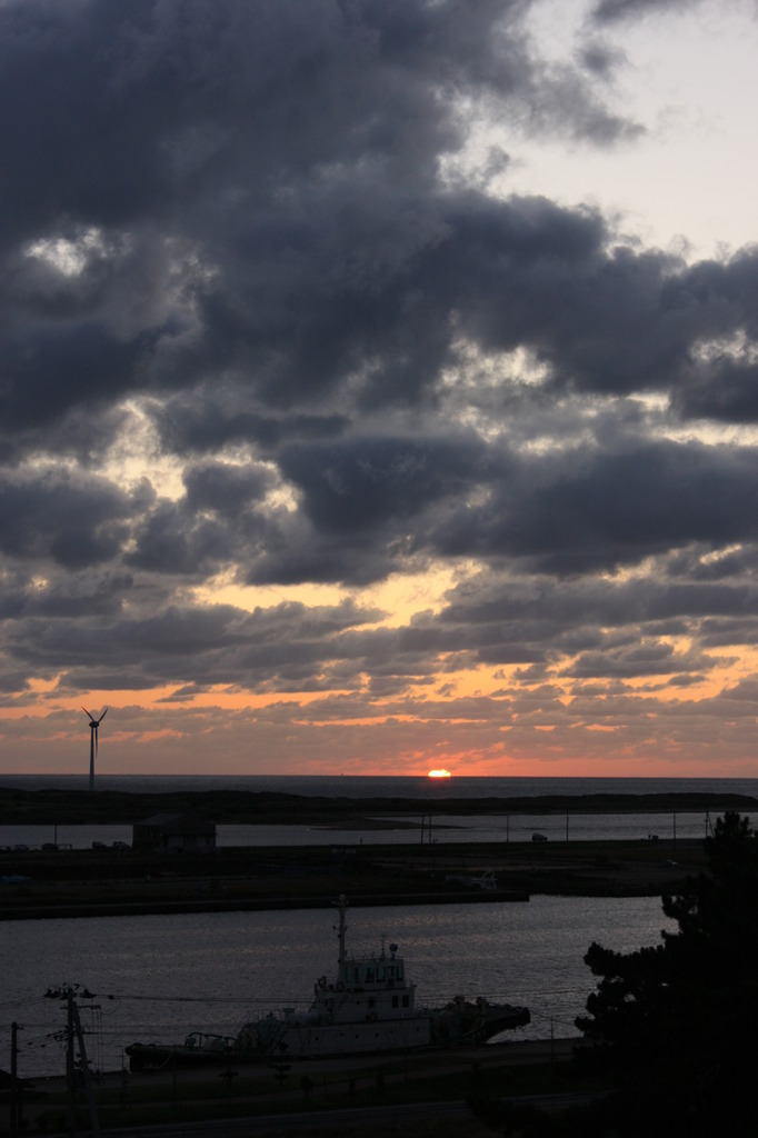 日本海の夕暮れ