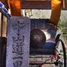SONY DSLR-A200で撮影した乗り物(一里塚と人力車)の写真(画像)