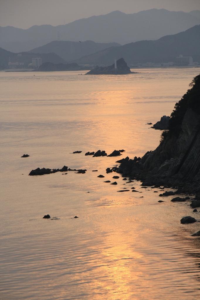 海峡の夕暮れ