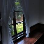 CANON Canon EOS 5D Mark IIで撮影した風景(窓辺)の写真(画像)