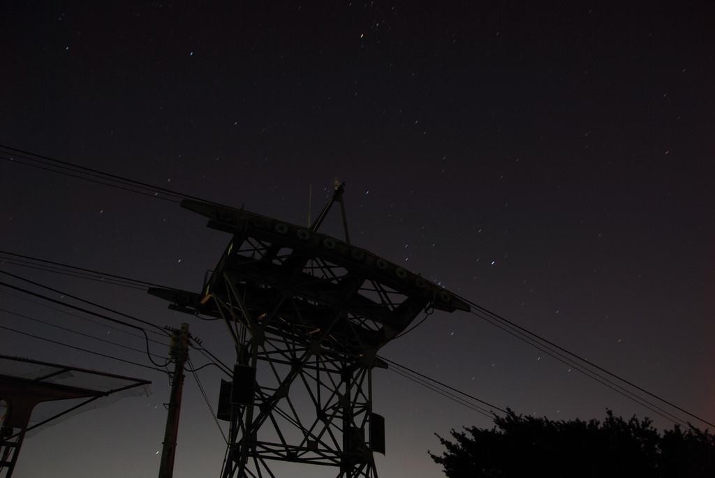 鉄塔と星のあと