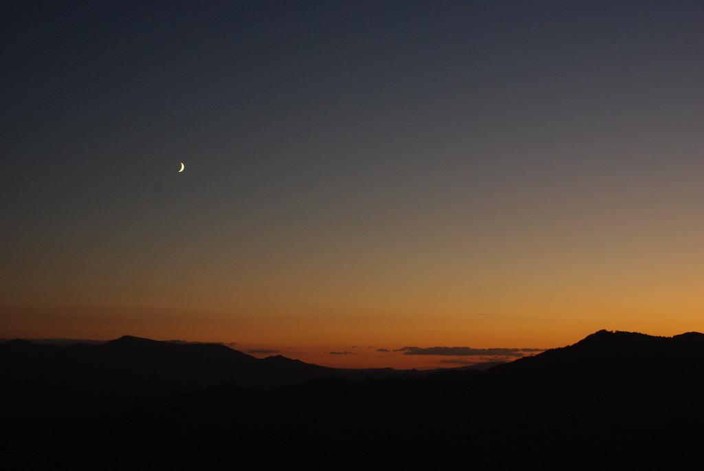 夕霞と三日月