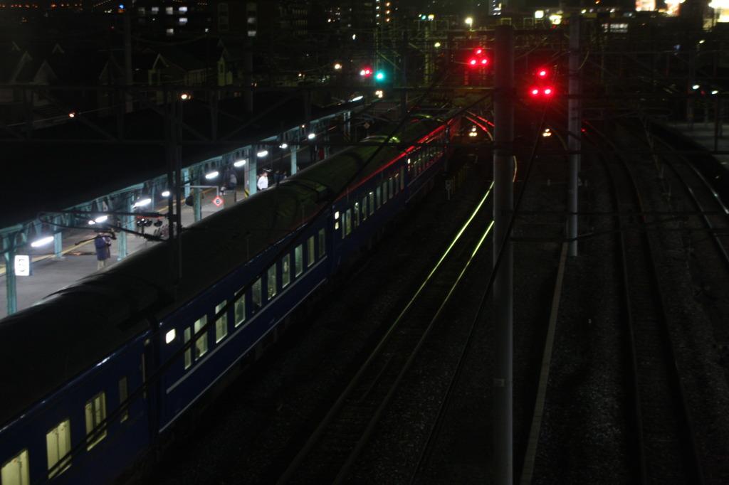 門司駅で出発を待つ