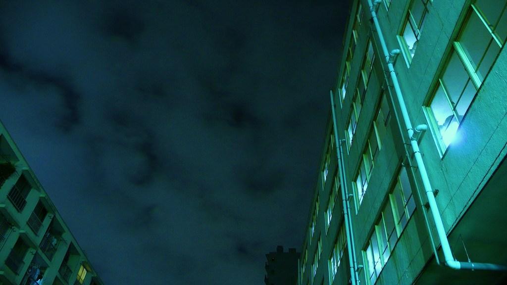 曇空と団地