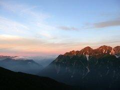 朝の明神岳