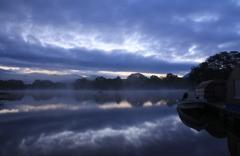 裏磐梯 小野川湖の朝焼け