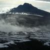雲海に浮かぶマウェンジ峰