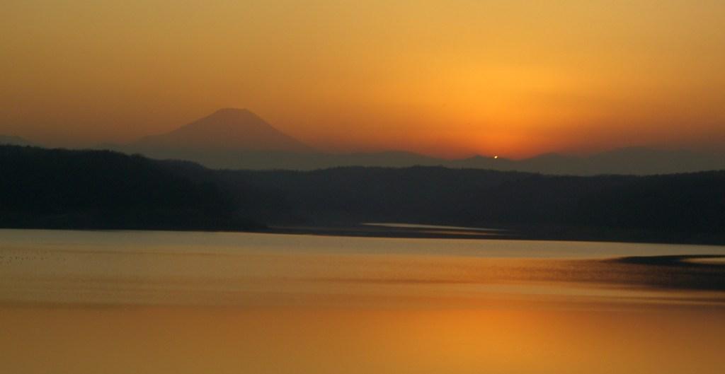 冬至の狭山湖