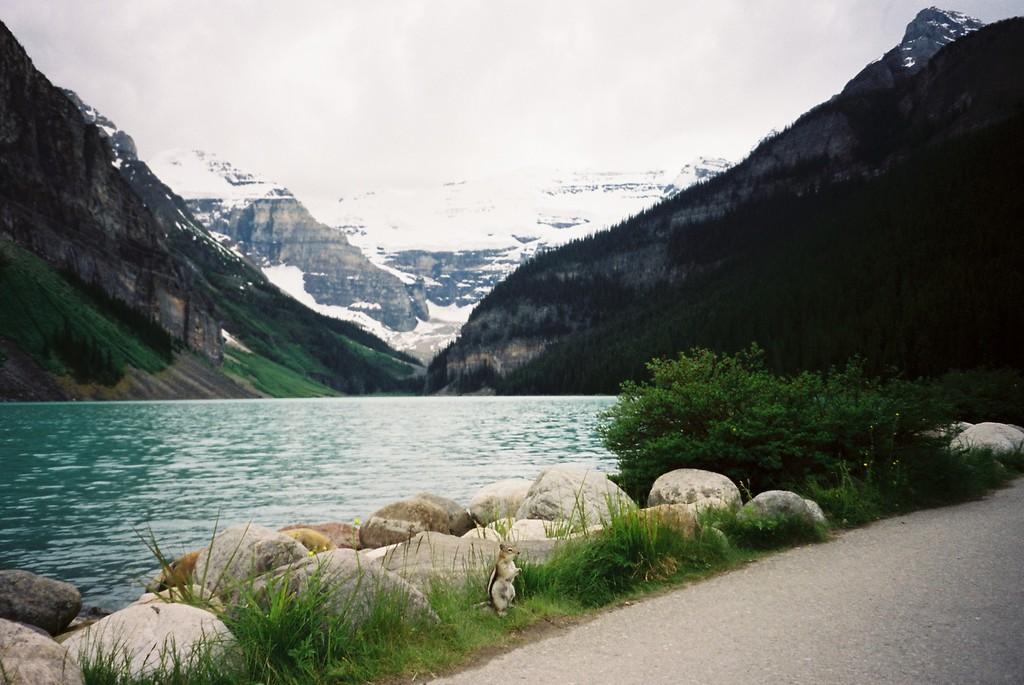 ルイ-ズ湖(カナダ)