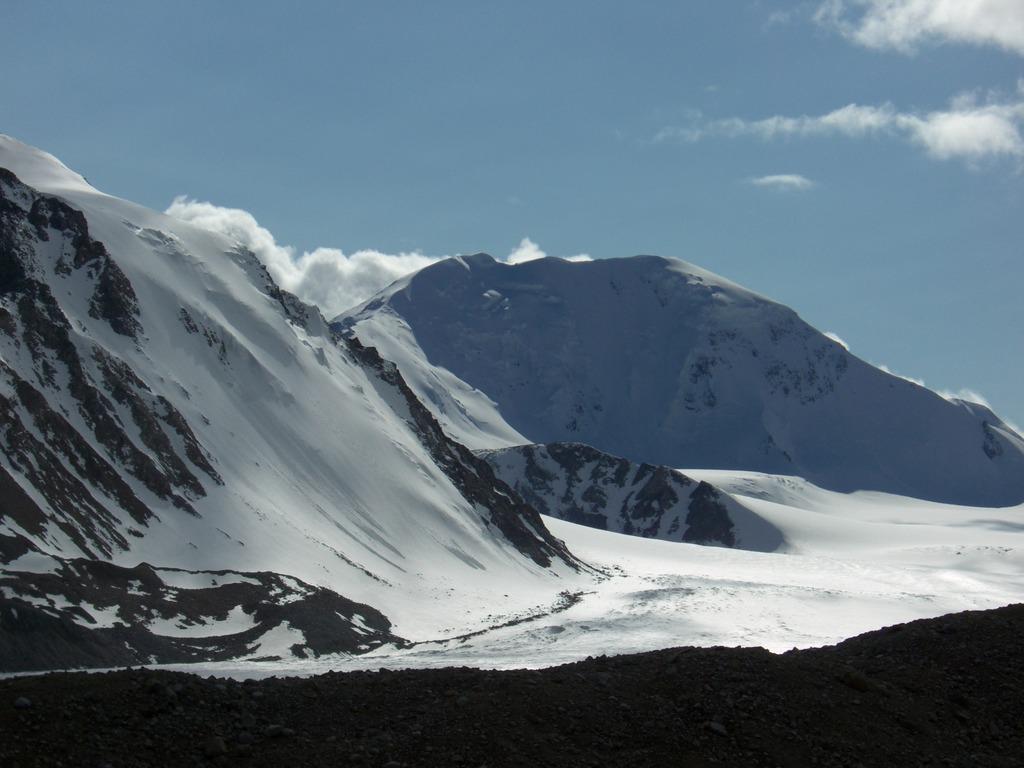 モンゴルの最高峰フィティン山