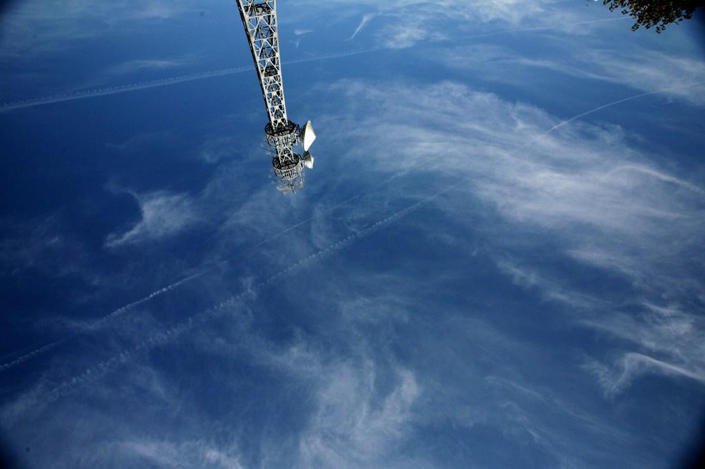 人工衛星みたいな 鉄塔