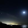 オリオンと月と別府湾