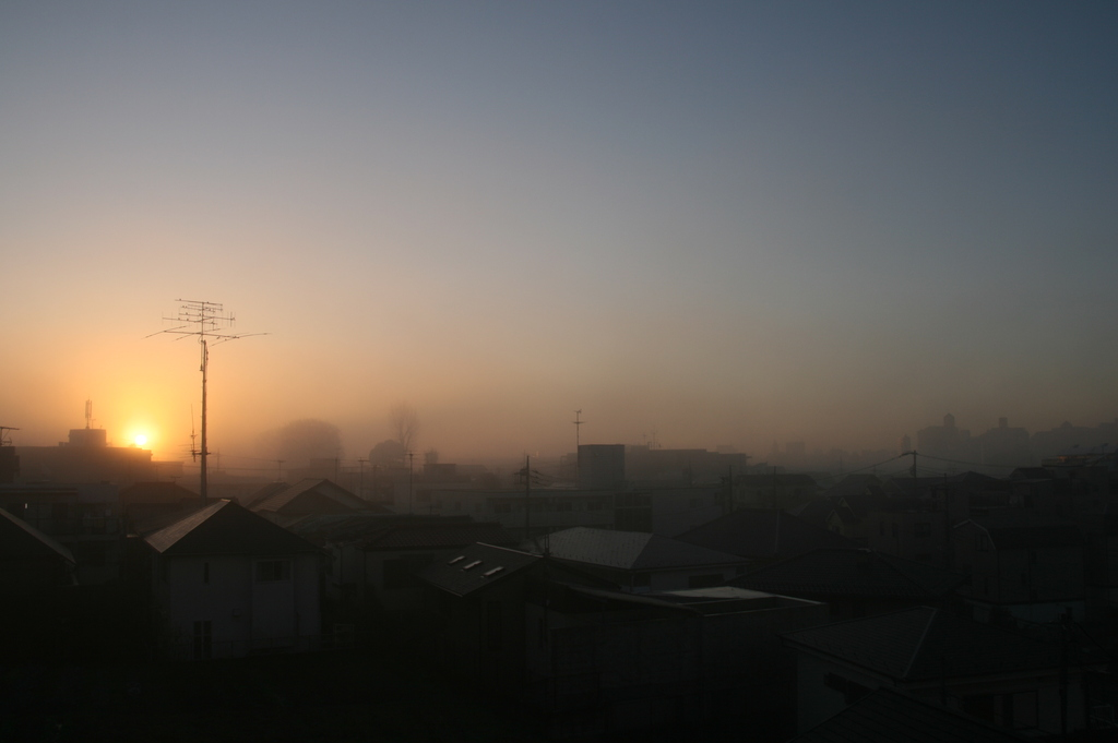 オレンジ色の夜明け