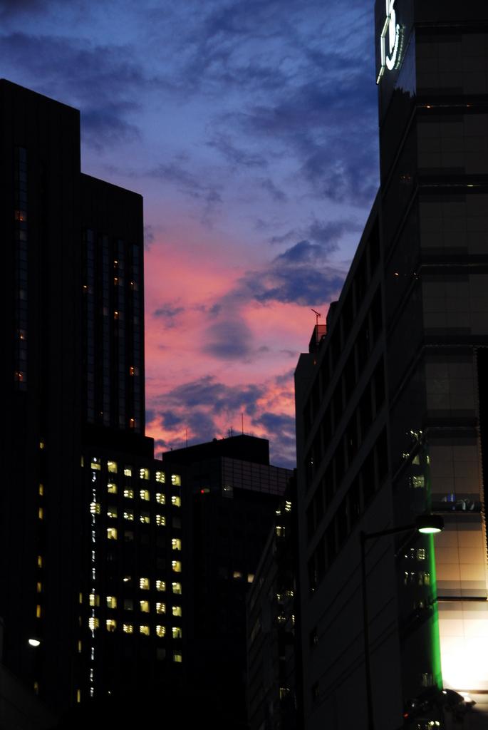 有楽町マリオン前からの夕日