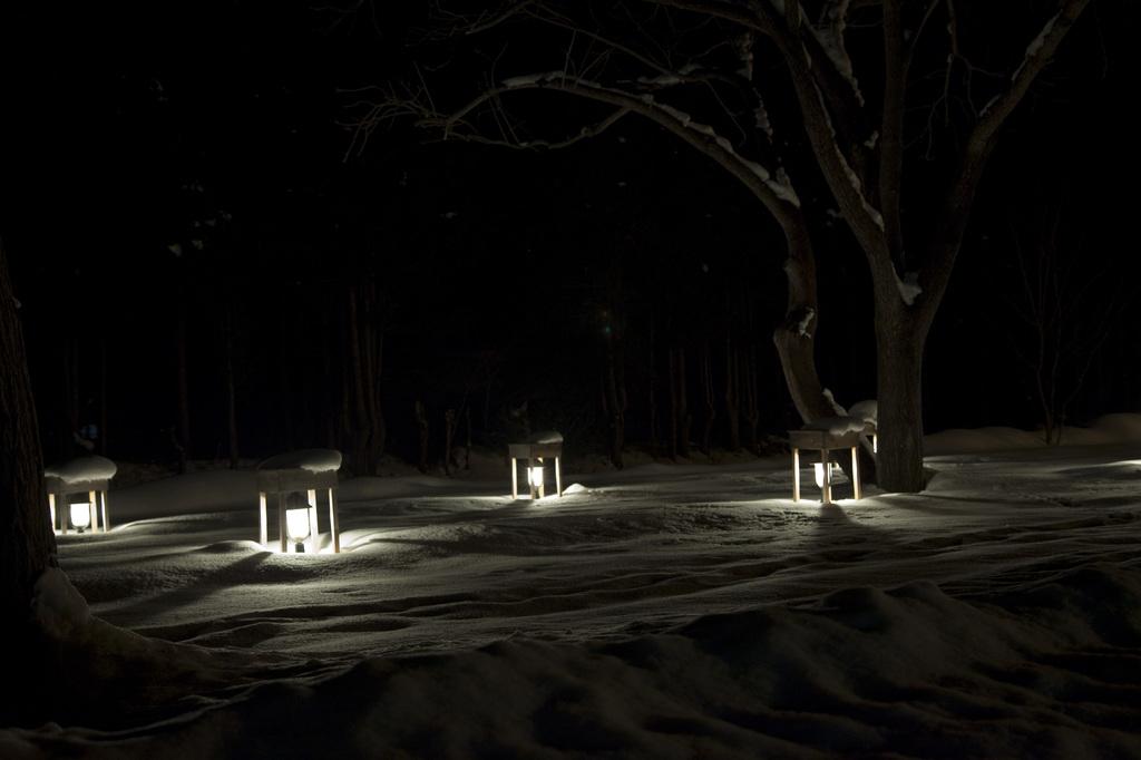 散歩道の灯篭