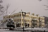 冬の鉱山事務所