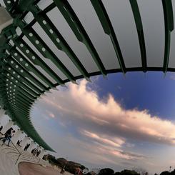 NIKON NIKON D300で撮影した建物(The sky in port)の写真(画像)