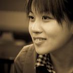 CANON Canon EOS 50Dで撮影した人物(微笑み Ver.セピア)の写真(画像)