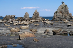 干潮時の橋杭岩