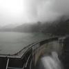 暗雲ただよう黒部湖