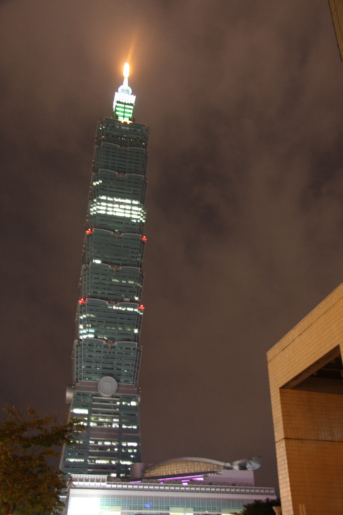 Taipei101 soars the 510m into the sky