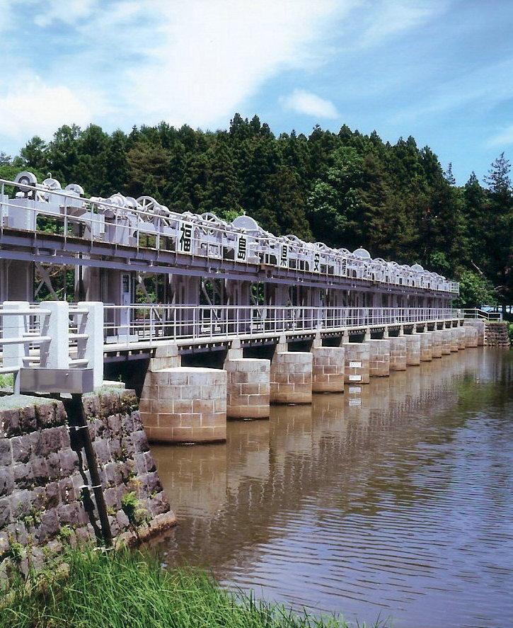 十六橋取水門