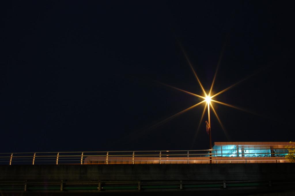 星のない夜