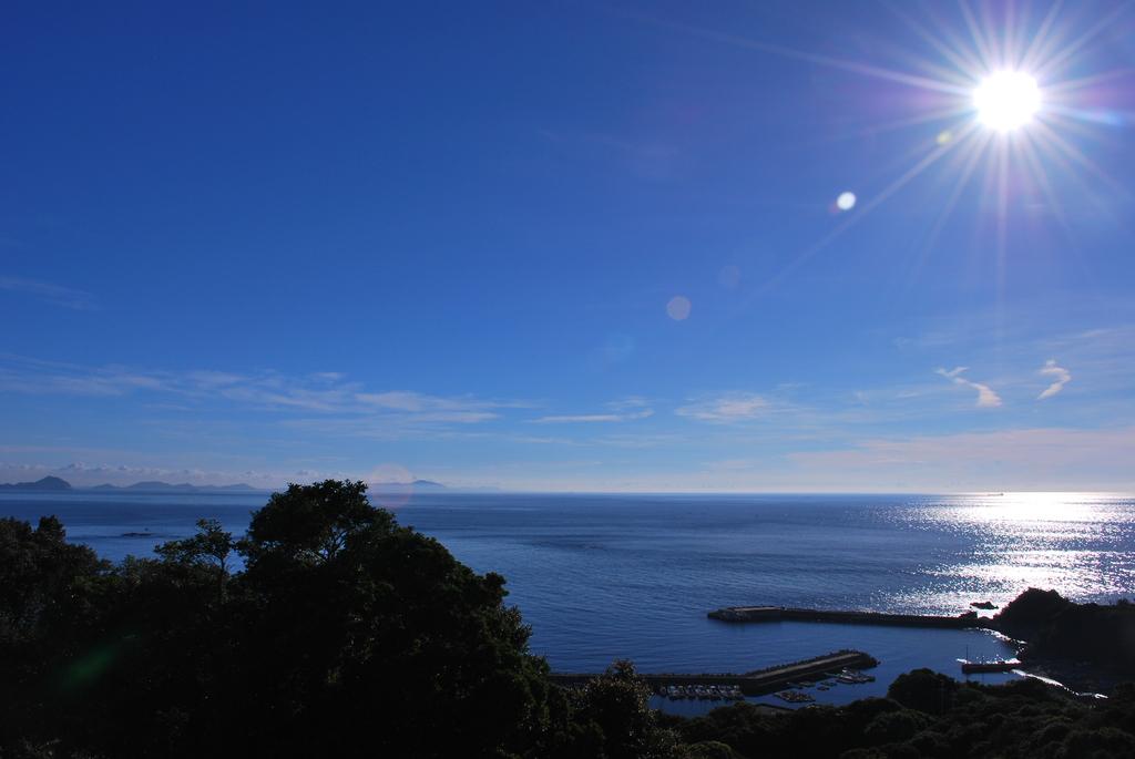 澄み切った朝の空