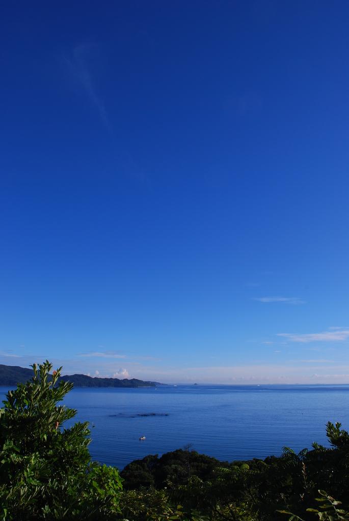 澄み切った朝の空2