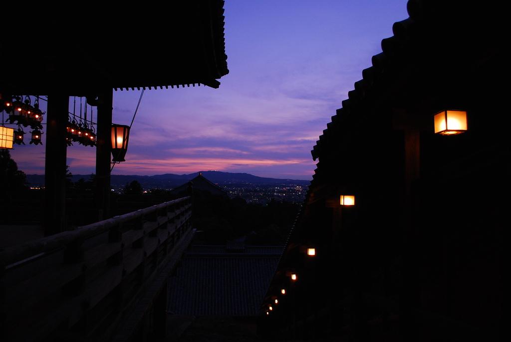 奈良二月堂より