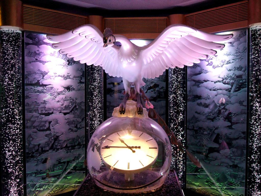 京都駅の火の鳥
