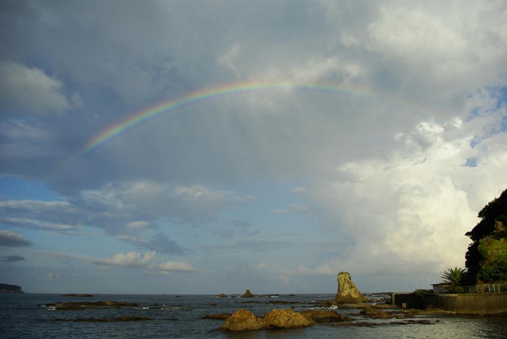 空にかかるは虹の橋