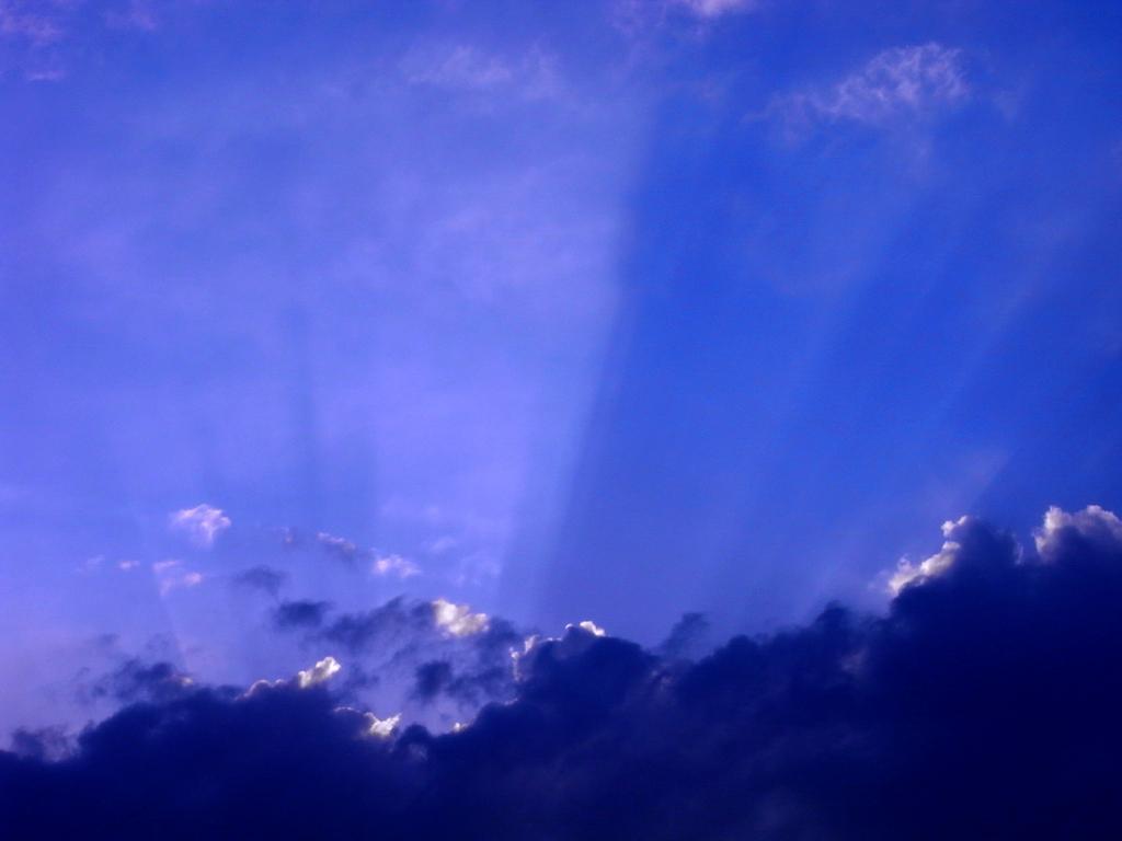 空はブルー