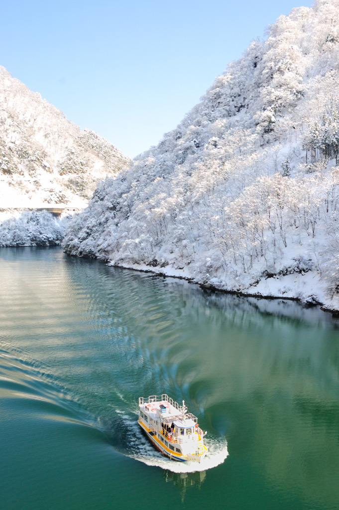 冬の庄川峡クルーズⅢ