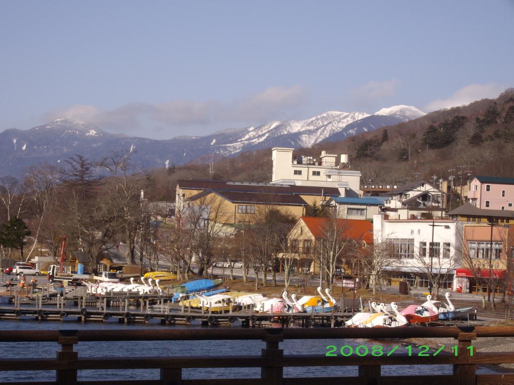 中禅寺湖の風景です。