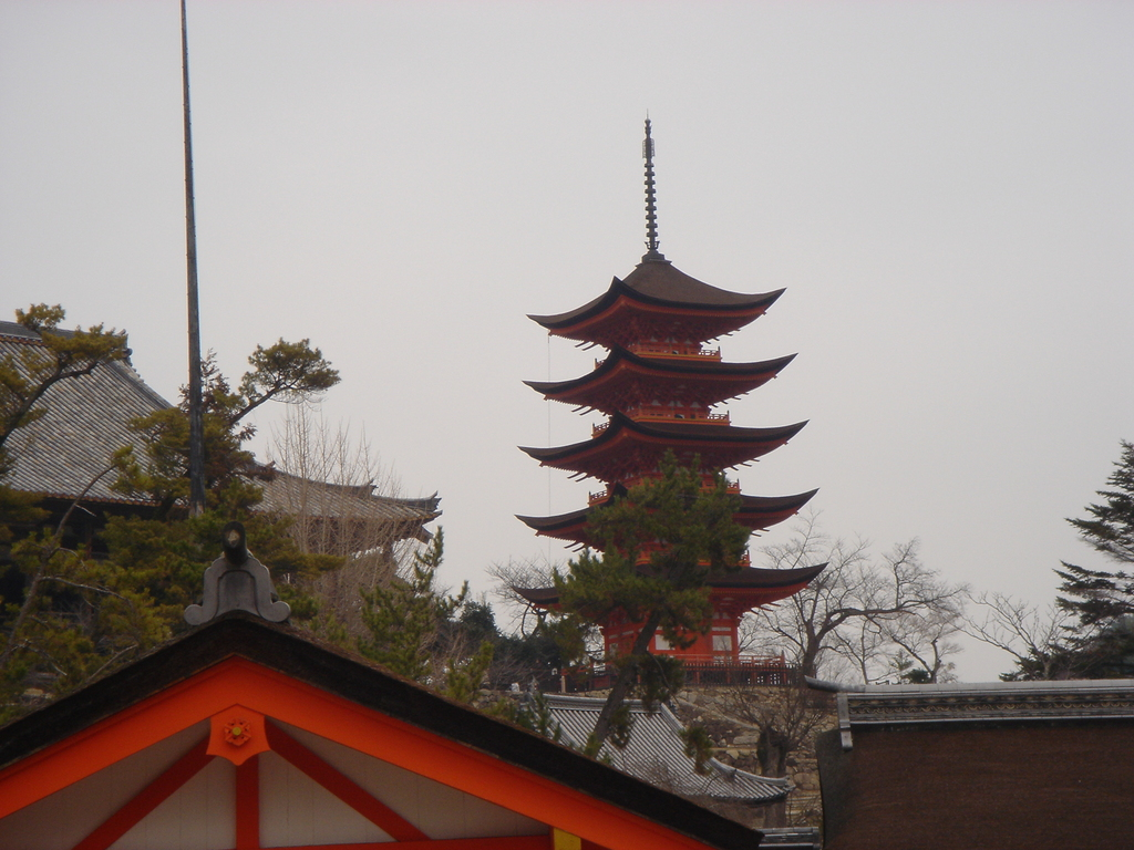 厳島神社の5重の塔