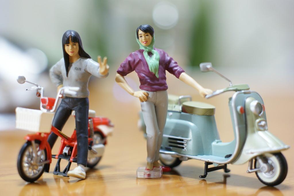 バイクと美女