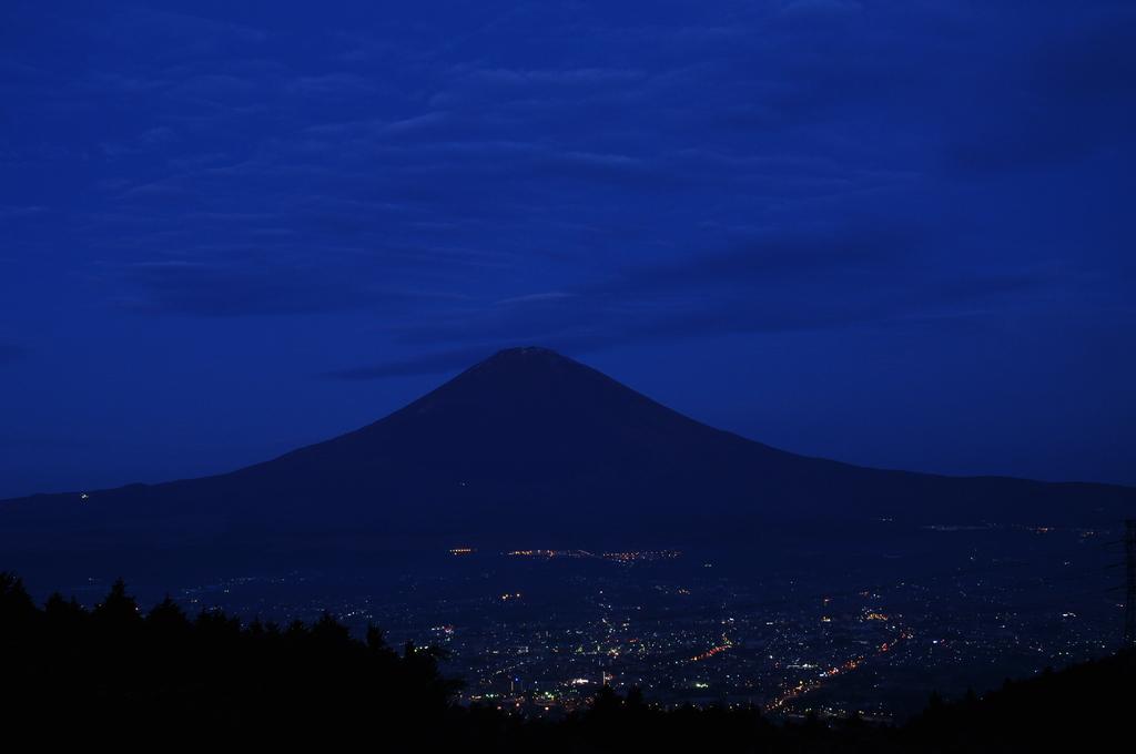 黎明の富士山