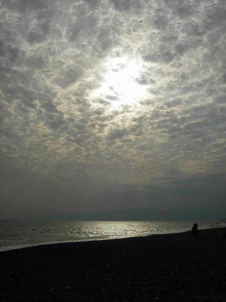 暮れ行く浜