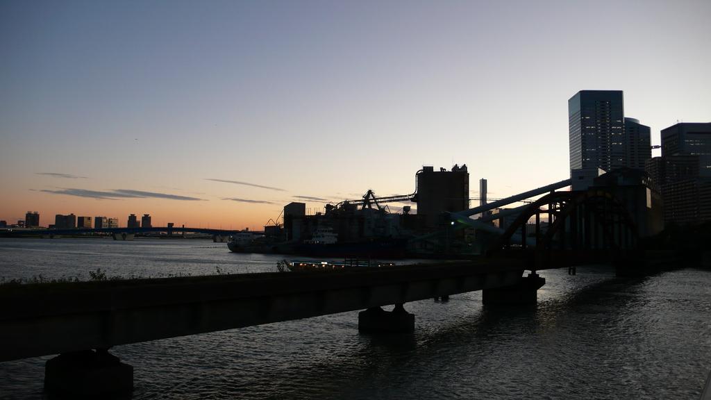 廃線と工場