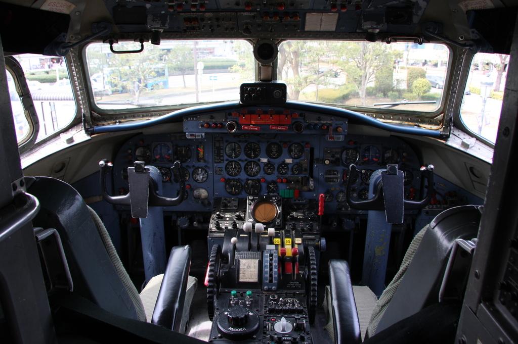YS-11コクピット