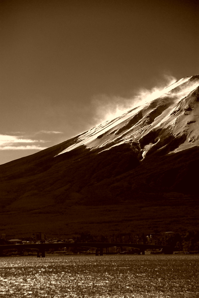 風の富士。