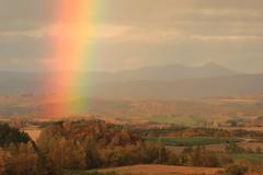 日没間近の鮮虹