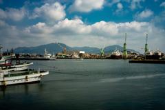 夏の漁港風景