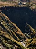 240mの断崖