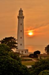 夕景の出雲日御崎灯台